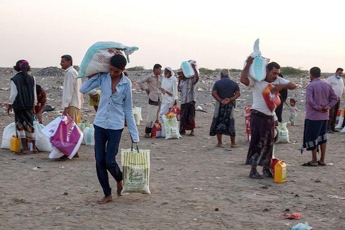 Foto ter illustratie. Voedselbedeling in een vluchtelingenkamp in Jemen.