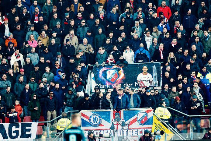 Ondanks spanningen vooraf, hield het publiek van FC Utrecht zich rustig tijdens de wedstrijd tegen Ajax.