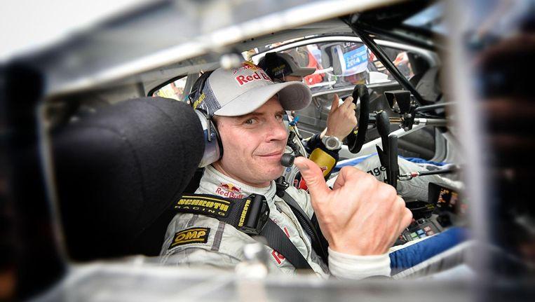 De Fin Jari-Matti Latvala mag de Franse champagne ontkurken na zijn zege in de Rally van Frankrijk. Beeld PHOTO_NEWS