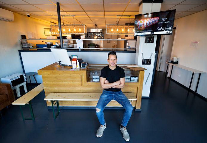 SushiSjoerd in zijn zaak in Deurne.