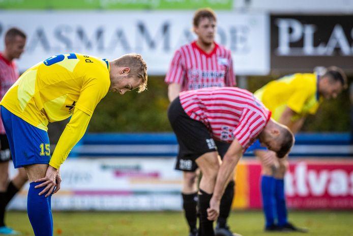 Xaver Slot in het  shirt van Staphorst. Komend seizoen speelt de aanvaller in het shirt van SVI.