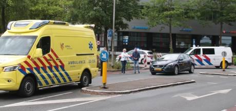 Fietster na aanrijding in Meppel met verwondingen overgebracht naar ziekenhuis