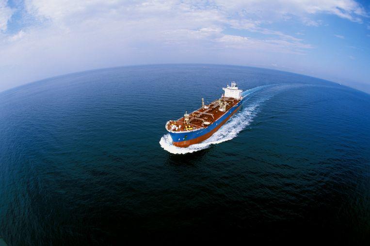 Vanaf volgend jaar moeten schepen overal ter wereld laagzwavelige stookolie gaan gebruiken. Beeld ANP