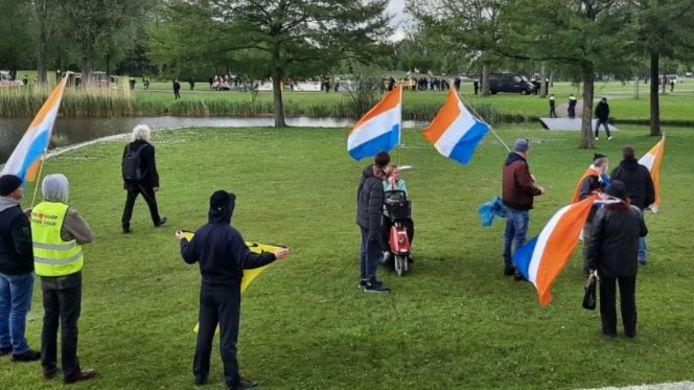 De demonstranten bij Ahoy.