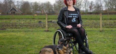 Patricia uit Neede zit in een rolstoel, maar rockt als zangeres in een koor: 'Ga ook uit m'n dak'
