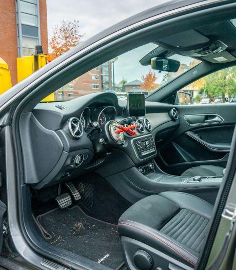 Inbrekers slaan toe in Houten: meerdere auto's opengebroken