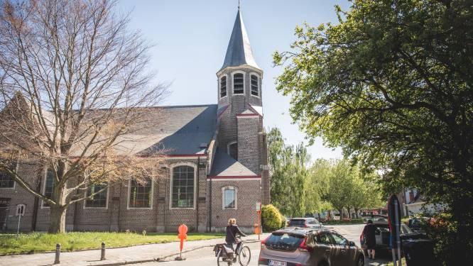Oostakker krijgt tijdelijk twee terrassen achter de kerk, maar werken aan dorpsplein gaan onverminderd door