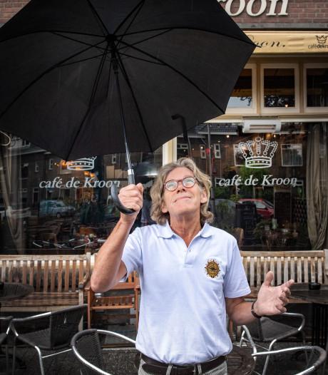 Kroegbaas Pieter kijkt uit naar windhozen, valwind en bliksem