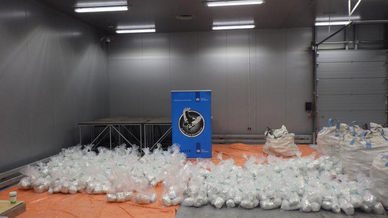 De verdovende middelen werden door de Douane in een container gevuld met Himalayazout uit Pakistan aangetroffen. Beeld Openbaar Ministerie