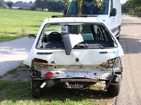 Twee gewonden bij kop-staartbotsing in Boekel