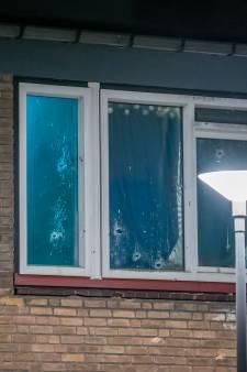 Rotterdamse woning beschoten op Zuid: talloze kogelgaten van groot kaliber vuurwapen te zien