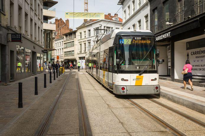 Onder meer de trams op lijn 2 sturen signalen door richting de verkeerslichten.