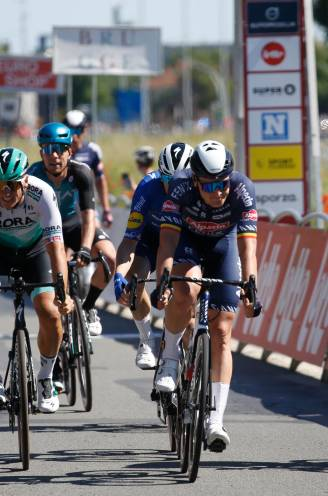 Cavendish kan berewerk Evenepoel net niet afmaken, Merlier volgt zichzelf op in Elfstedenronde