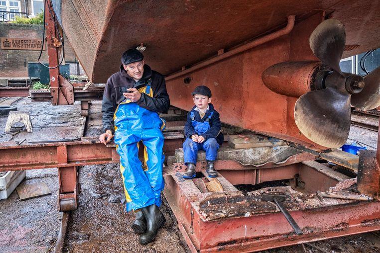 Nergens ligt de toekomst van kinderen zo vast als op Urk.Met de visserij zult gij uw gezin onderhouden. Beeld Tim Dirven