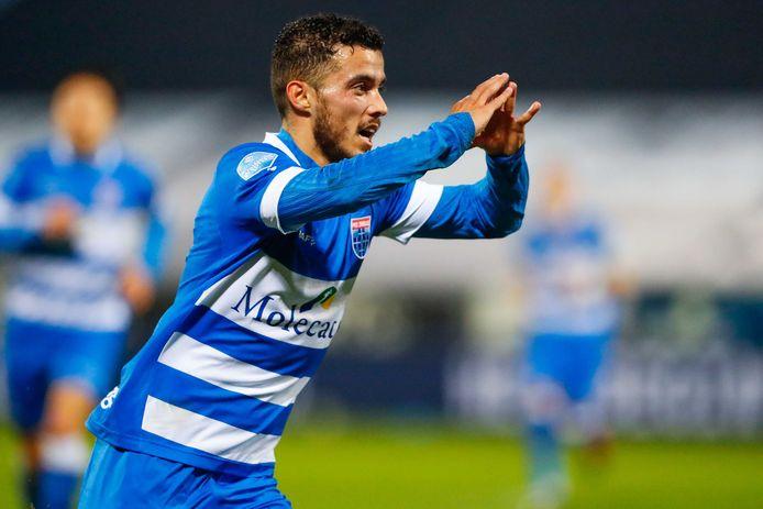 Mustafa Saymak kan zijn geluk niet op wanneer hij PEC Zwolle met een mazzeltje op voorsprong heeft gezet tegen FC Utrecht.