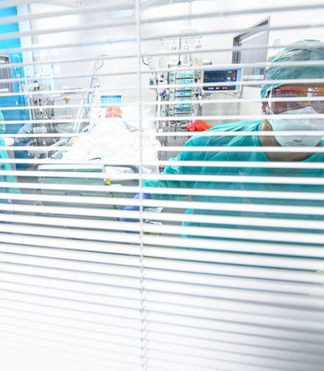 """Infirmière au CHU Charleroi, Julie témoigne: """"Je suis fatiguée, apeurée, mais je suis là"""""""