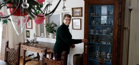 Henk maakte bijzondere kast voor zijn vrouw Magda: 'Hier mag niets mee gebeuren, ik ben er gek op'