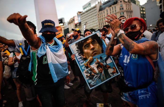 Fans van Maradona protesteren in Buenos Aires.