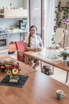 Flamboyante Wilma (63) heeft alzheimer: 'Mijn geheugen laat mij in de steek, maar mijn uiterlijk niet'