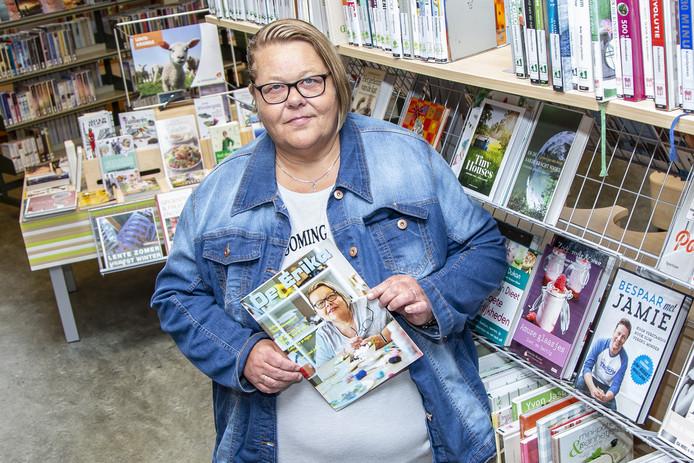 Erika Companje met haar eigen magazine, De Erika.