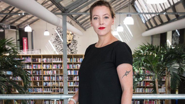 Marieke Derksen: 'Het is handig dat Johan op tv af en toe iets kan zeggen over de boeken' Beeld Dingena Mol