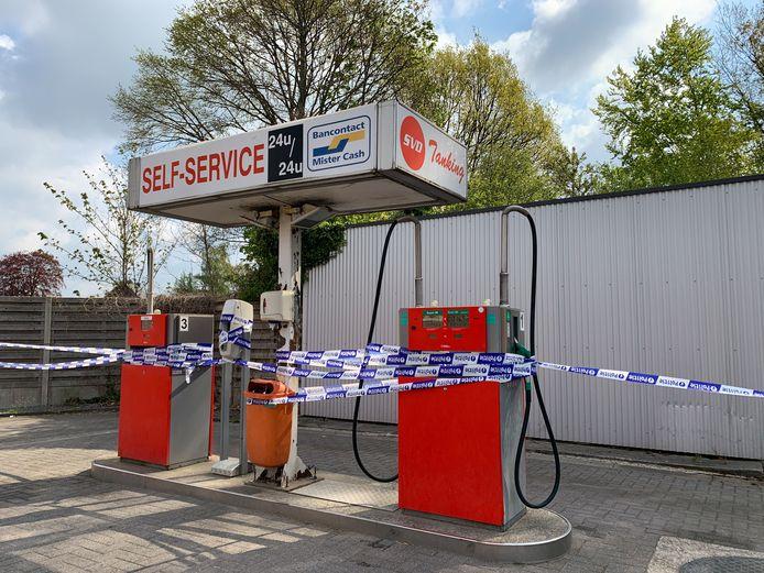 SVD oud klein tankstation in Grimbergen op Humbeeksesteenweg.