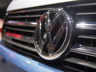 """Meer dan 200.000 Volkswagen-busjes hebben mogelijk probleem met deuren: """"Kunnen bij vriesweer onverwacht opengaan"""""""