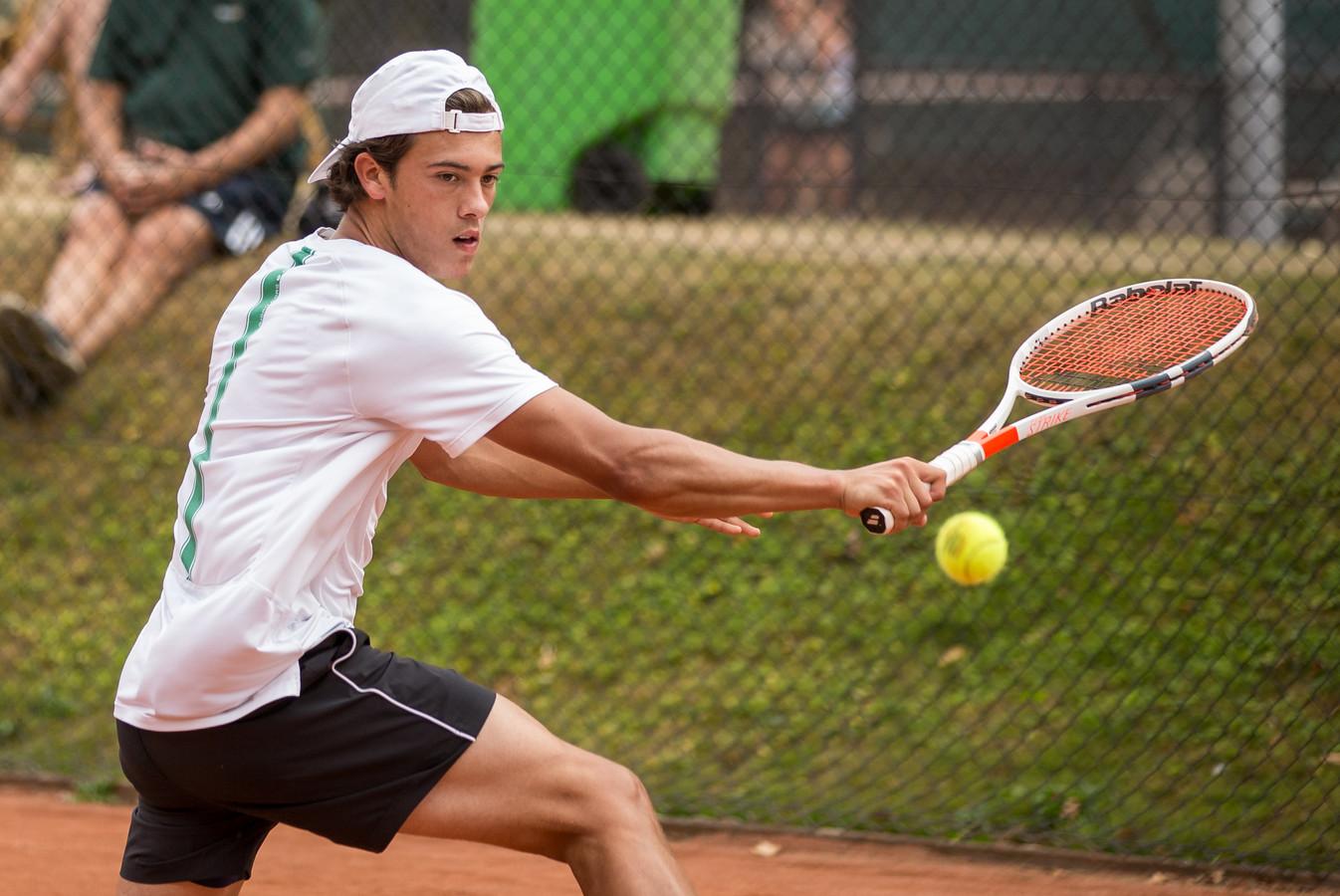 Winnaar Ruben Konings in actie tijdens de finale van het Rapiditas Open.