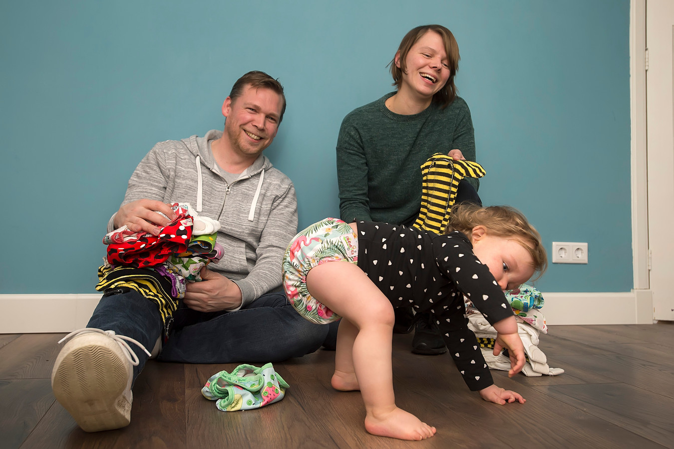 Anne Hoogendijk en Erik Rozendom uit Hooge Zwaluwe hoeven niet meer overtuigd te worden. Zij gebruiken al wasbare luiers.