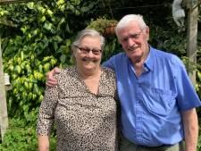 Willie reed Annie stiekem achterna om haar adres te achterhalen, nu zijn ze zestig jaar getrouwd