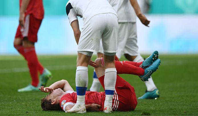 Mario Fernandes s'est fait peur, mais sa colonne vertébrale n'est pas finie.