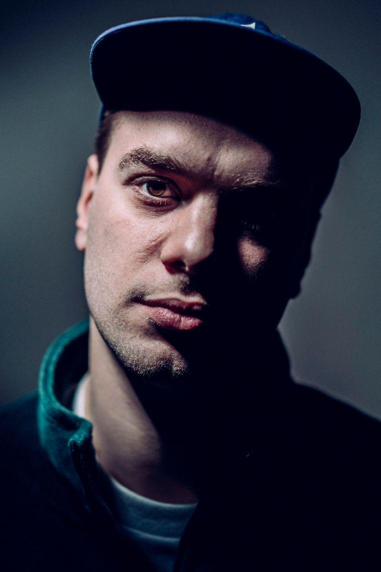 De West-Vlaamse rapper Brihang is te zien tijdens de Dranouter Zomersessies.  Beeld © Stefaan Temmerman