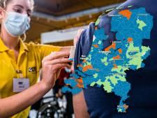 KAART | Massaal vaccineren in Salland en Achterhoek, op Urk juist niet: kijk hier hoe het bij jou is