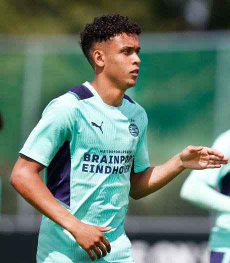 Linksback Oppegard wil volgend seizoen definitief naar de A-selectie van PSV: 'Ik put vertrouwen uit deze zomer'
