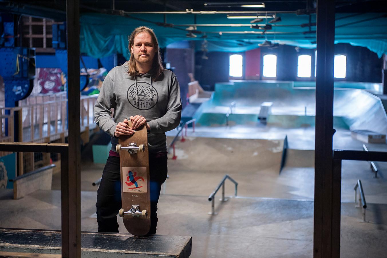 Jos Sleegers in het World Skate Center aan de Buitendijk.