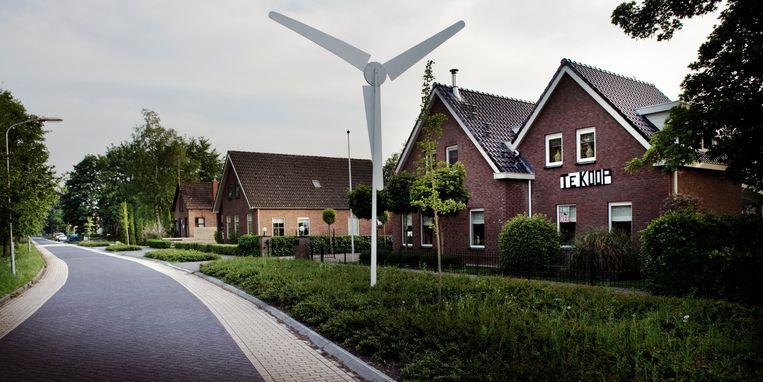 2016: Protesten tegen de plannen voor windmolens. Een inwoner van Gasselternijveen zette zijn huis te koop.   Beeld Reyer Boxem