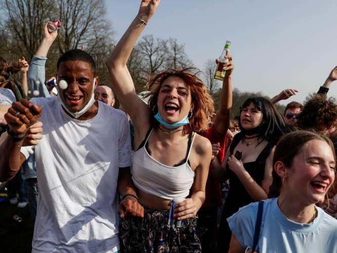 """15.000 jongeren willen naar 'La Boum 2': """"Als het niet mag, houden we in elke stad een wild feest"""""""