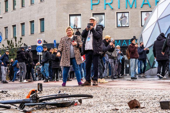 Chaos door zware rellen Eindhoven na anti lockdown demonstraties