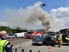Getroffen autobedrijf De Lutte dankt de brandweer: 'Hartverwarmend'