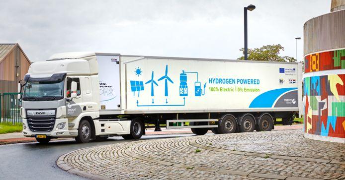 Waterstoftruck van VDL die wordt getest door supermarktketen Colruyt.