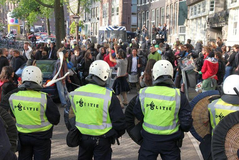Klachten over politie-optreden Amsterdam | Trouw