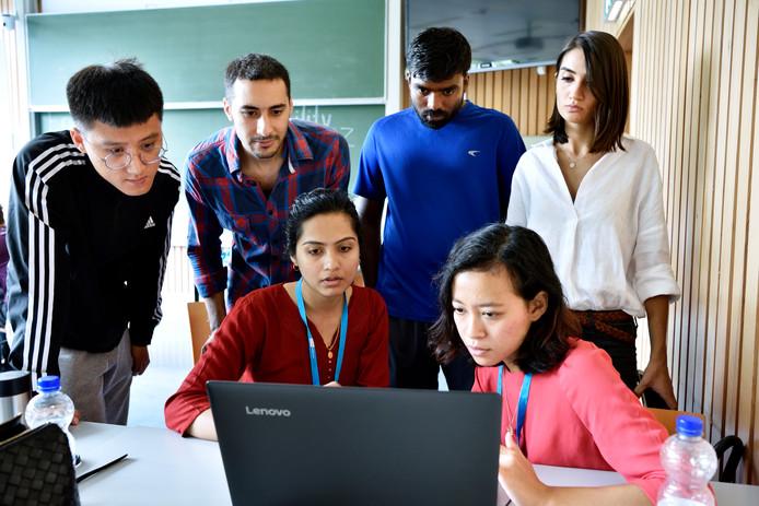 Internationale studenten tijdens de introductieweek van de TU Eindhoven in 2017.