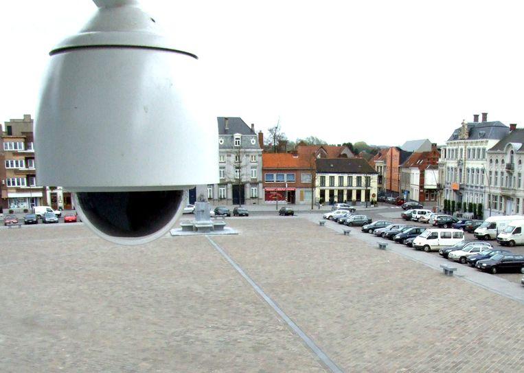 Een bewakingscamera op de Grote Markt in Ronse.