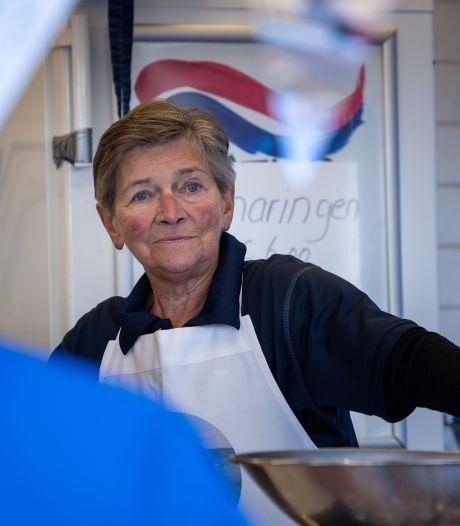 Betsy Bottenberg (74) uit IJsselmuiden staat al zestig jaar op de markt maar weet van geen ophouden
