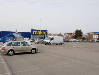 Politie stelt uiteindelijk 16 pv's op bij tuning-evenement op parking Makro