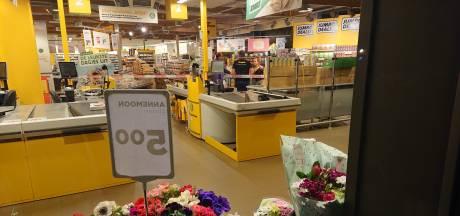 Jumbo in Veenendaal beroofd: politie is op zoek naar 3 daders op een scooter
