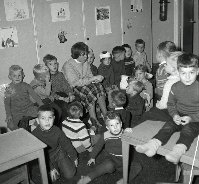 Kleuterschool aan de Stokroosstraat in 1961