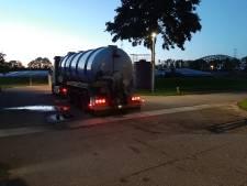 Stront aan de knikker in rioolland: pompwagens voorkomen dat poep- en plassmurrie sloten inloopt
