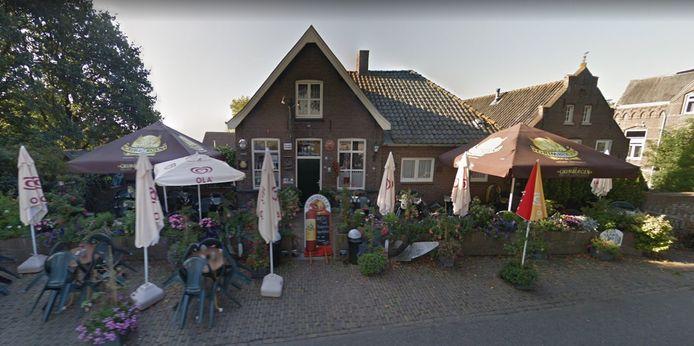 Foto van Google Streetview uit juli 2016, toen het dijkcafé nog De Drie Sterren heette.