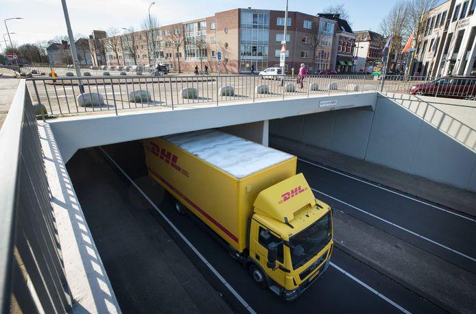 Bewoners aan de zuidelijke rondweg in Breda willen af van pendelend vrachtverkeer.
